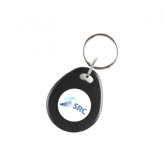 Primer RFID obeska z nalepko
