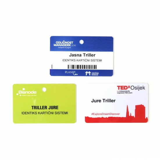 Primeri akreditacijskih kartic z luknjico in brez