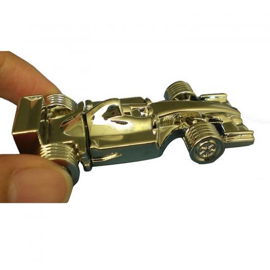 Metalni USB ključek v obliki avtomobila