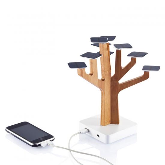 Powerbank - Solarno bambus drevo